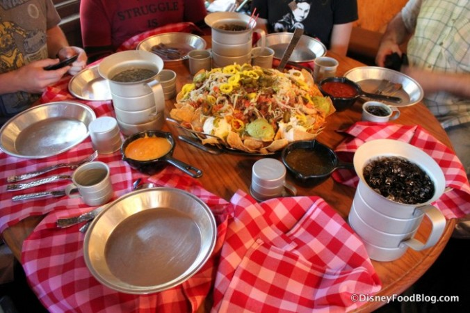 Table-Set-Up-for-Nachos-Rio-Grande-at-Pecos-Bill-700x467.jpg